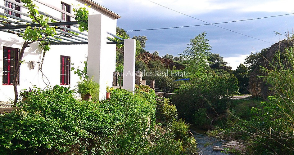 Country Home for sale in Alcaucín Málaga