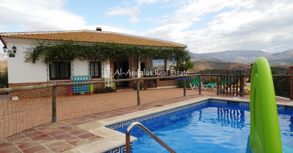 Country Home for sale in Colmenar Málaga
