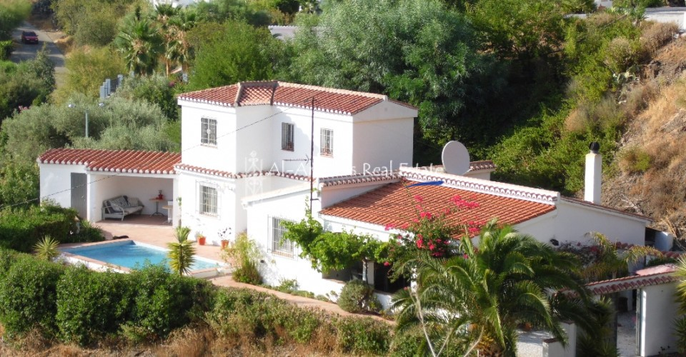 Country Home for sale in Cómpeta Málaga