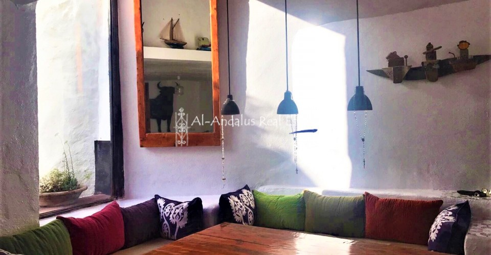 Village/town house for sale in Canillas de Aceituno Málaga