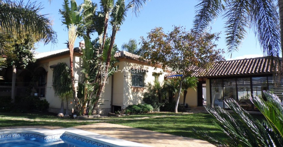 Villa for sale in Viñuela Málaga